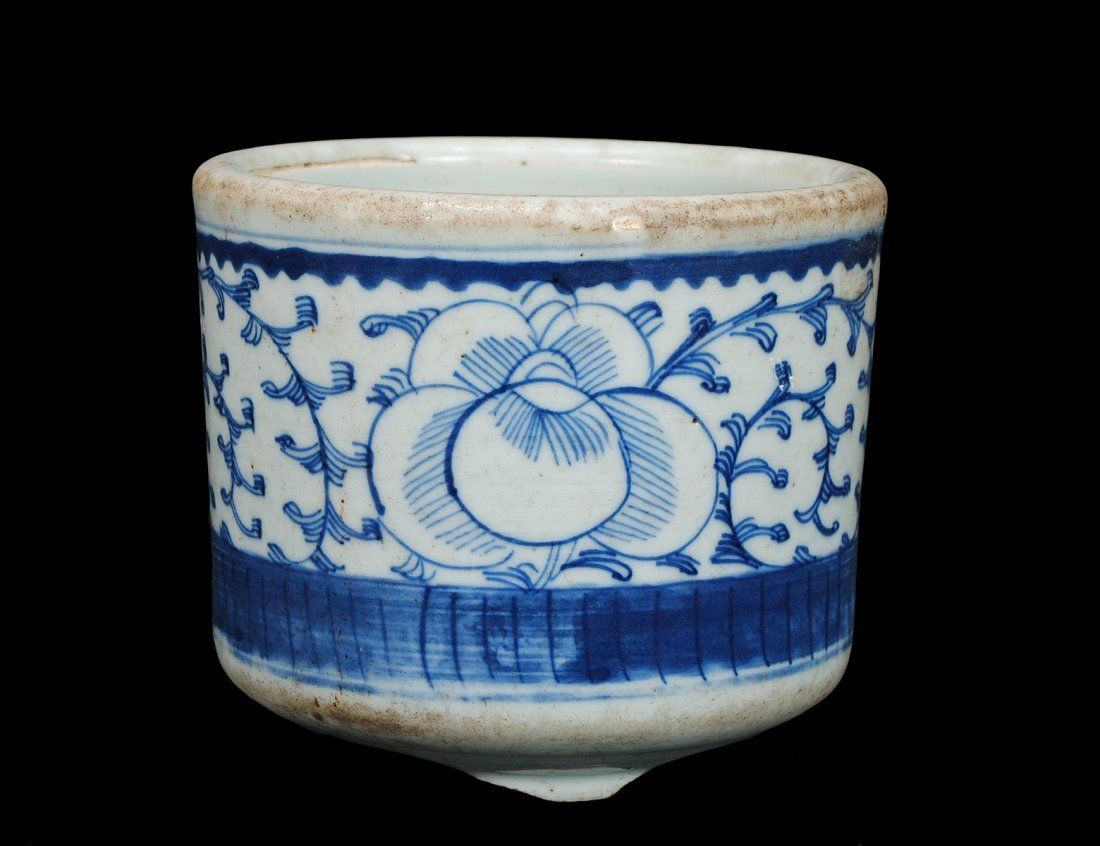 313: BLUE AND WHITE PORCELAIN JARDINIERE