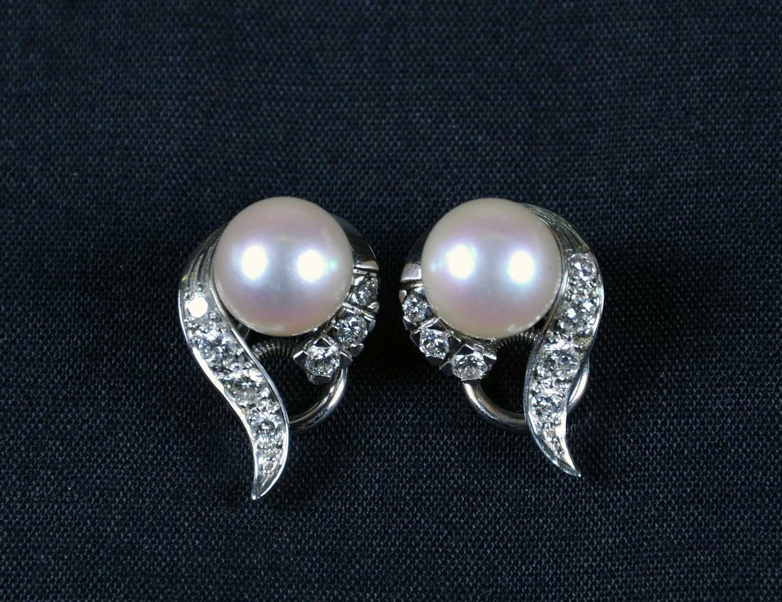 17: PAIR OF WHITE GOLD, PEARL AND DIAMOND EARRINGS