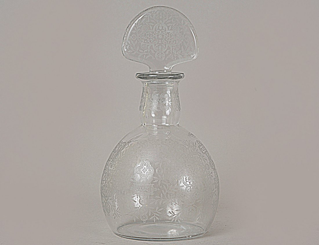 BACCARAT ETCHED CRYSTAL DECANTER