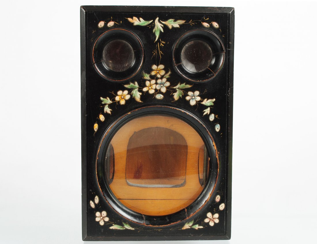 VICTORIAN LACQUERED AND PAINTED STEREOPTICON VIEWER