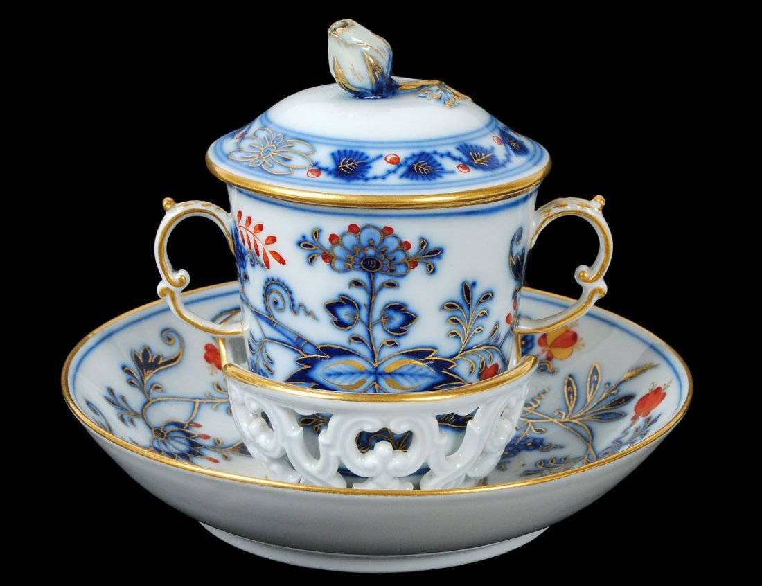 MEISSEN PORCELAIN CUP, COVER AND STAND