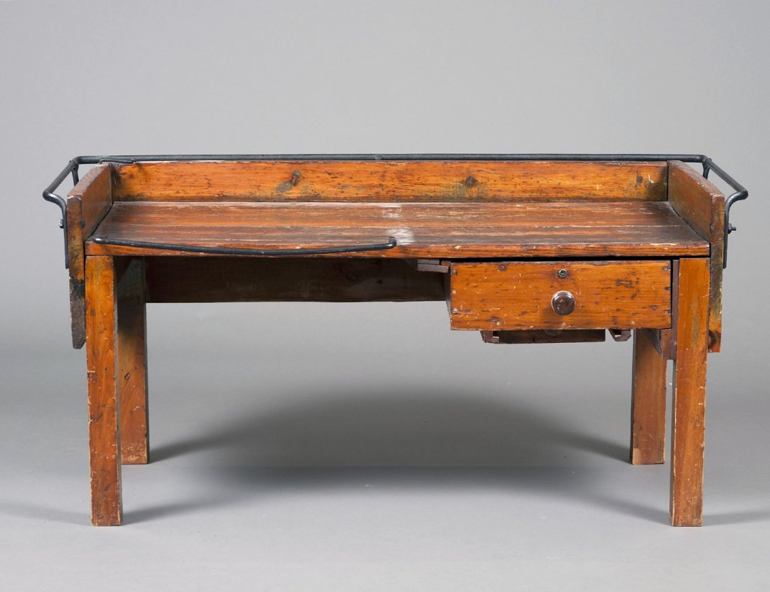 PRIMITIVE COUNTRY IRON AND WOOD WORK BENCH