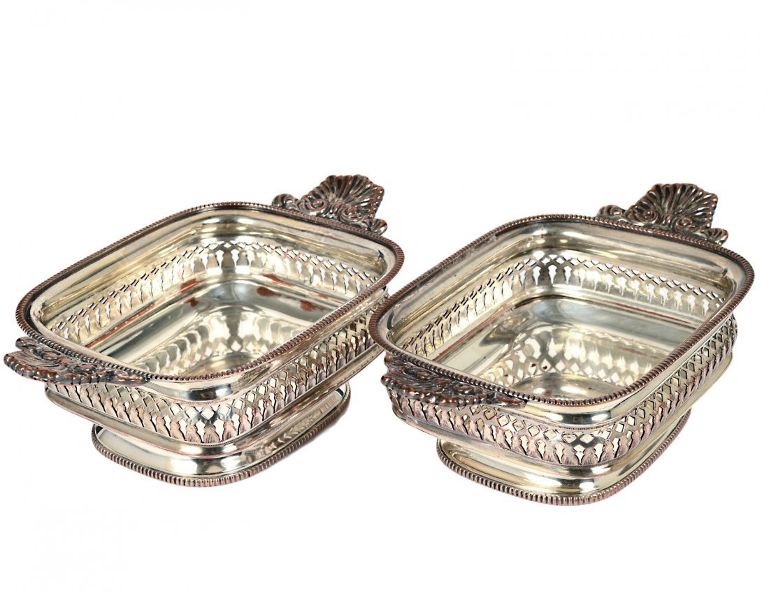 PAIR OF GEORGIAN SHEFFIELD PLATED SMALL DISHES