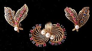 148: Ladies 14K Gold Retro Suite Pin & Matching Earring