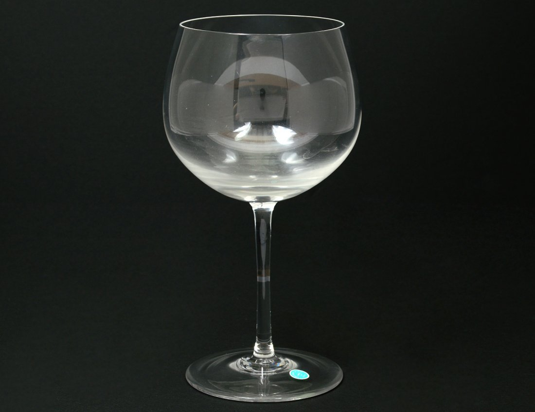 SET OF ELEVEN GLASS WINE GOBLETS