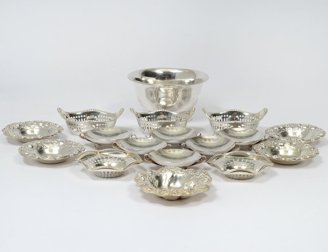 GROUP OF SEVENTEEN ASSORTED STERLING SILVER NUT DISHES