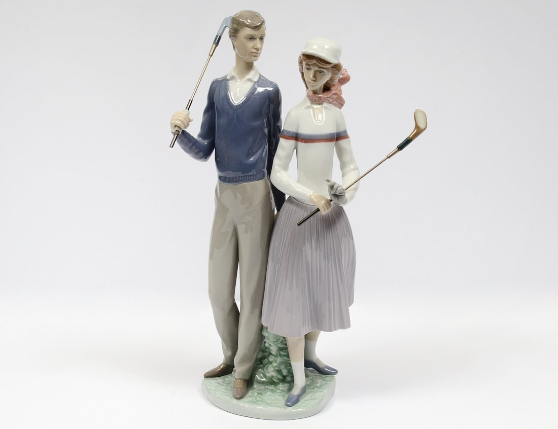 LLADRO PORCELAIN GROUP OF TWO GOLFERS