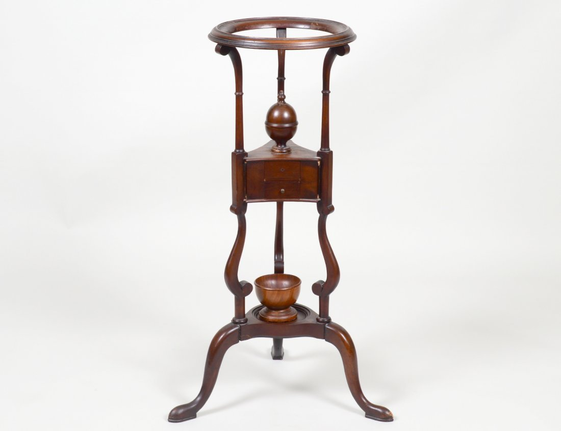 QUEEN ANNE STYLE MAHOGANY WIG STAND