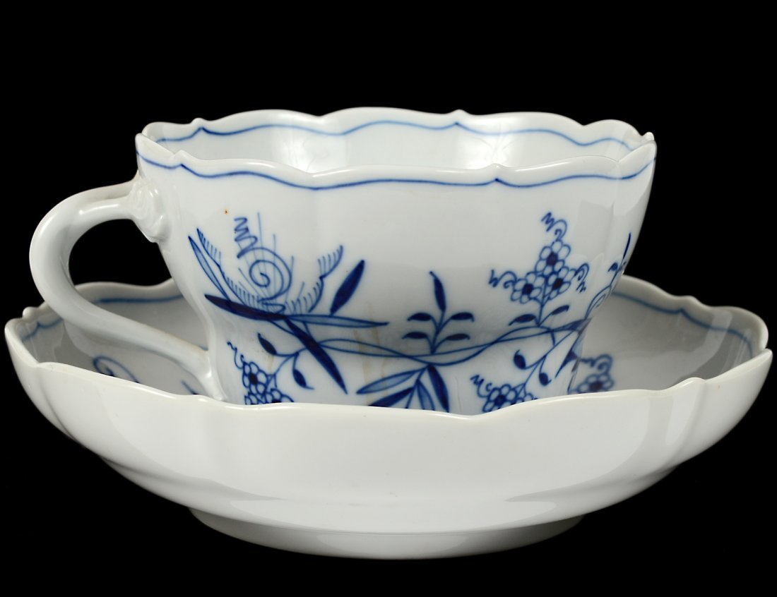 LARGE MEISSEN PORCELAIN CUP AND SAUCER