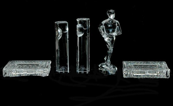 403: Five Pieces Crystal Table Articles