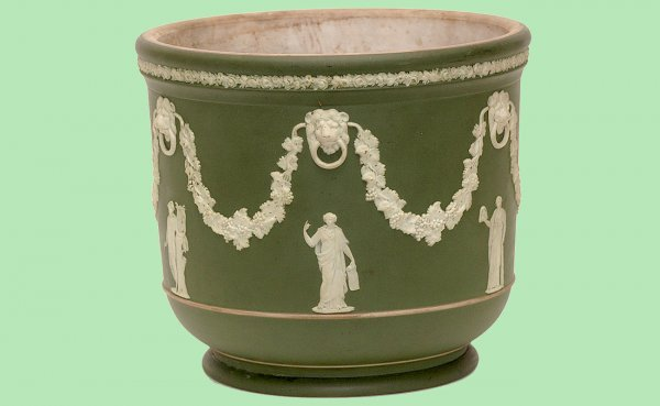 9: Wedgwood Green Jasperware  Cache pot Vase