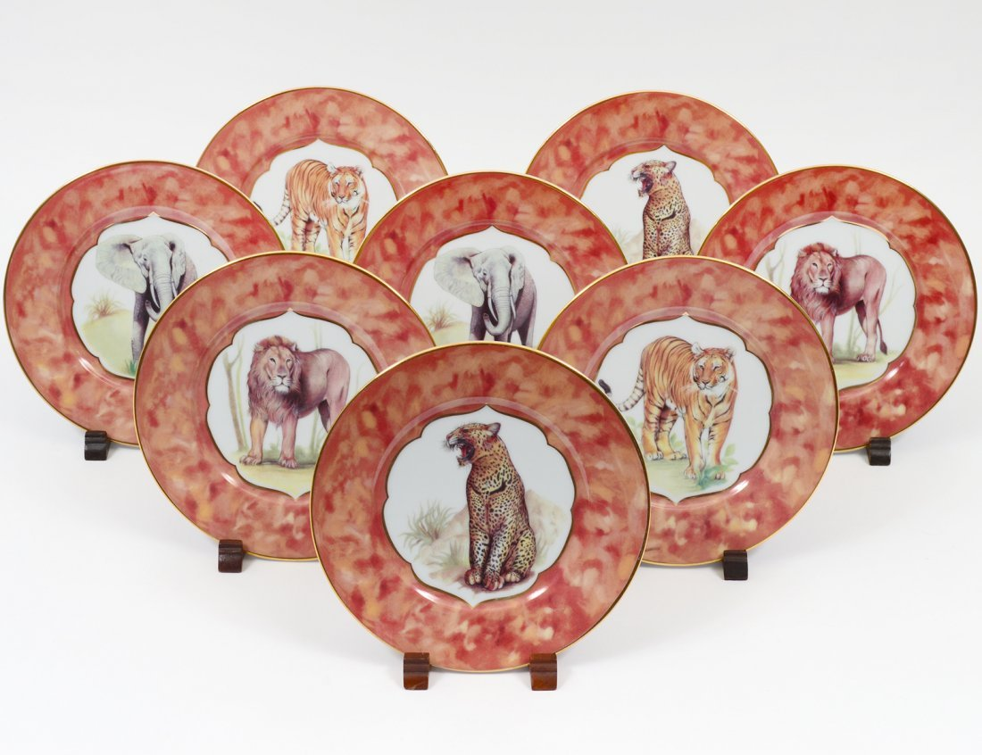 SET OF EIGHT LIMOGES WILDLIFE PLATES