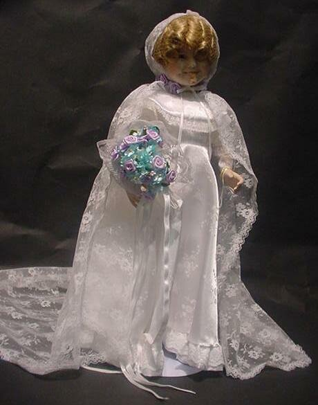 """3002: Shirley Temple Danbury Mint Doll """"Curly Top"""" In O"""