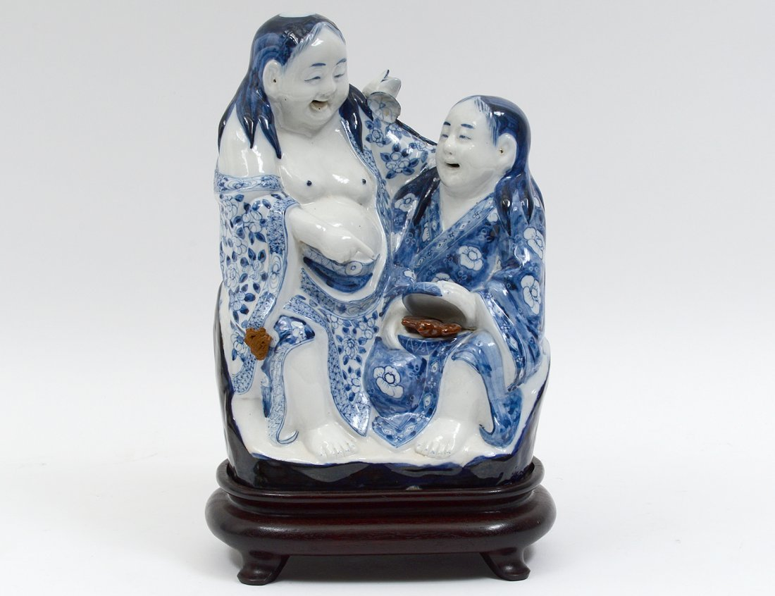 BLUE AND WHITE PORCELAIN GROUP