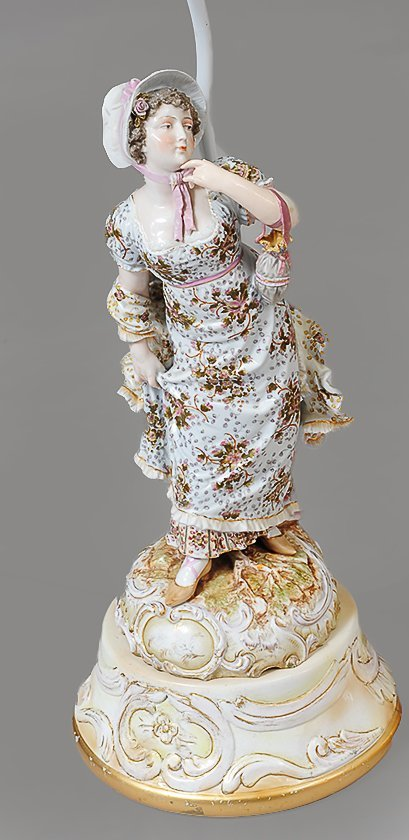 PAIR OF PORCELAIN COURTING FIGURES - 2