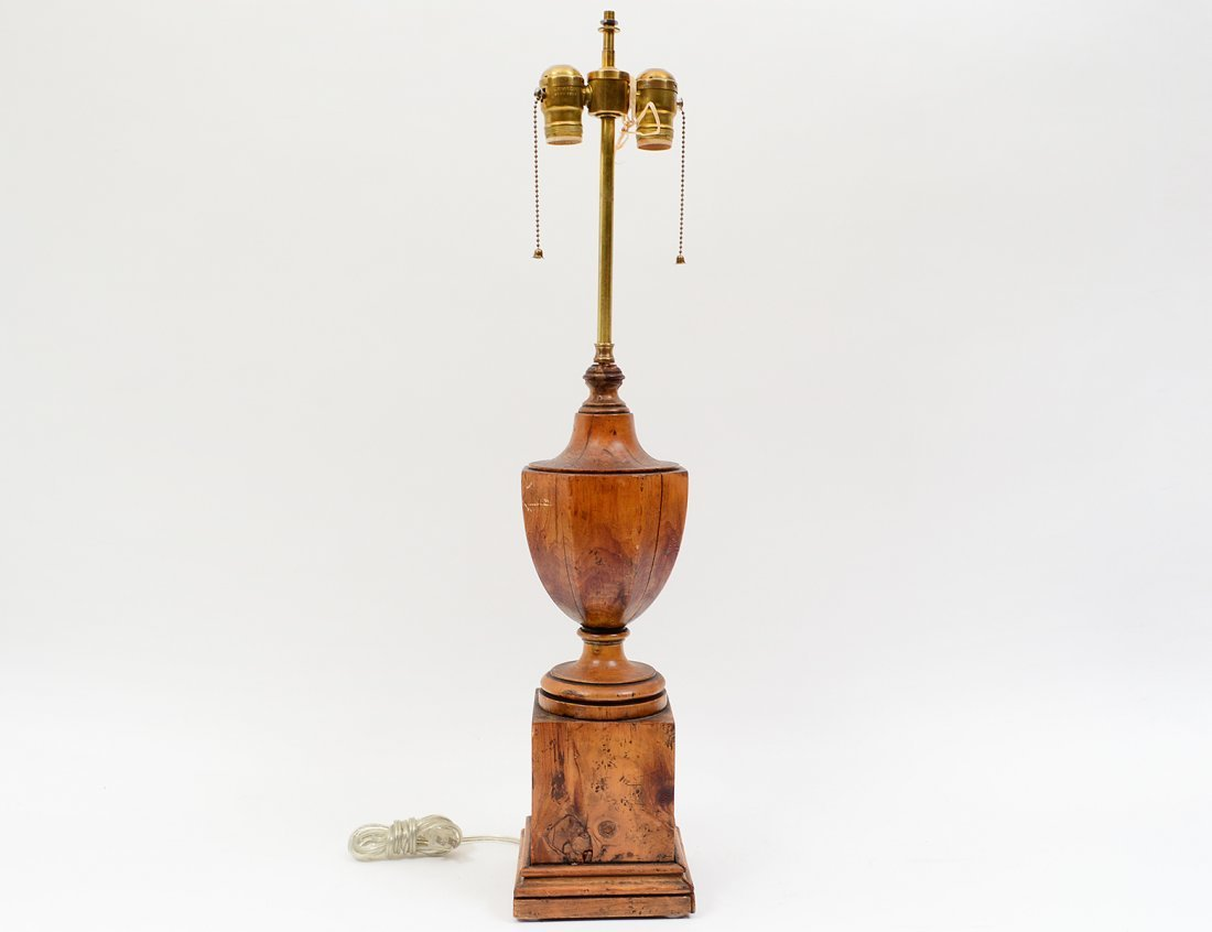 FEDERAL STYLE WOOD LAMP