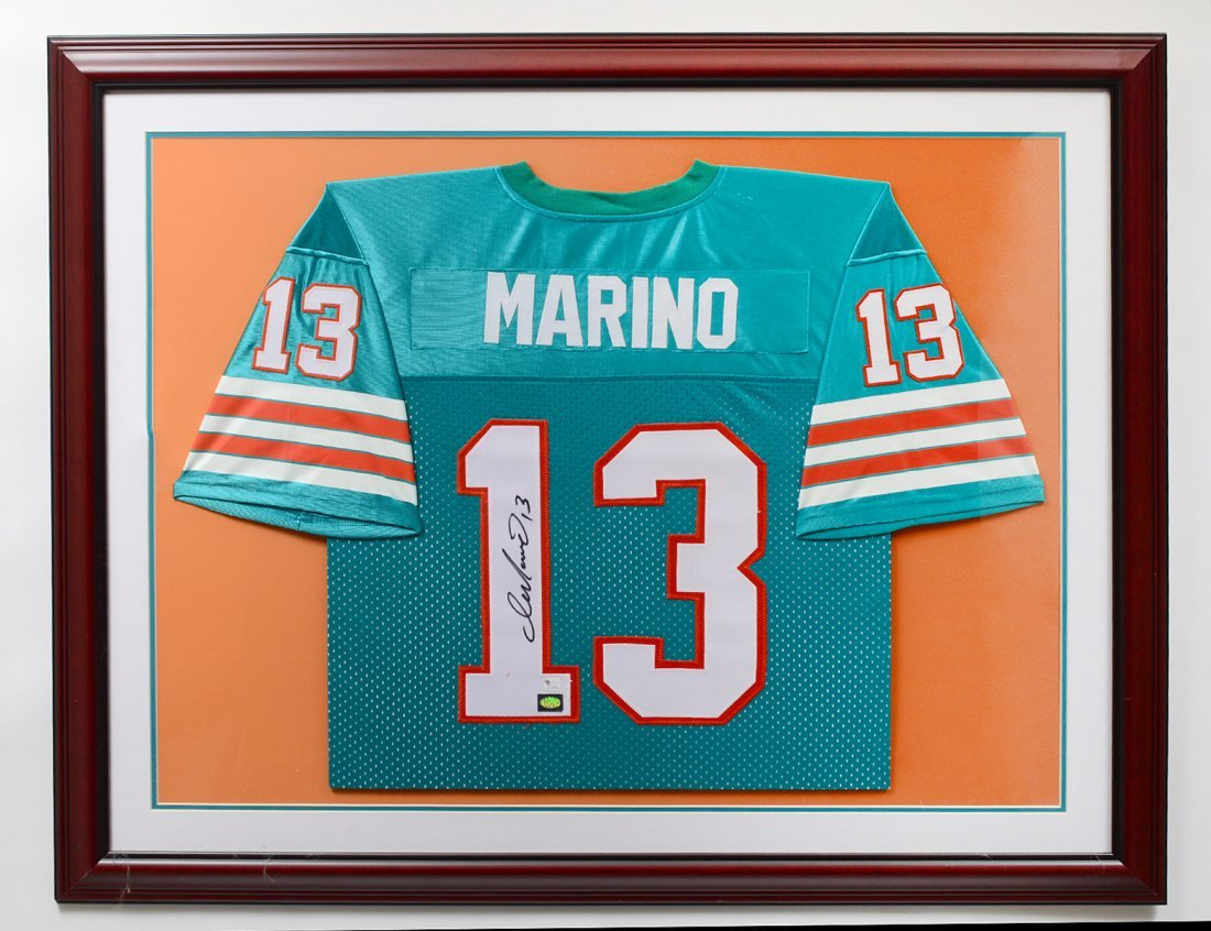 AUTOGRAPHED DAN MARINO MIAMI DOLPHINS OFFICIAL FOOTBALL