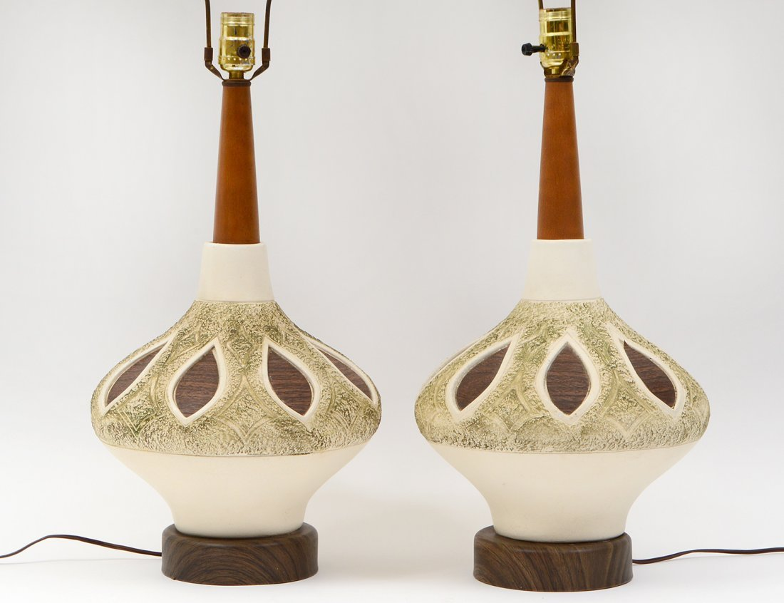 PAIR OF MID-CENTURY WOOD AND CERAMIC LAMPS