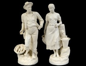 ROYAL DUX PARIAN WARE FISHERMAN & LADY AT THE WELL