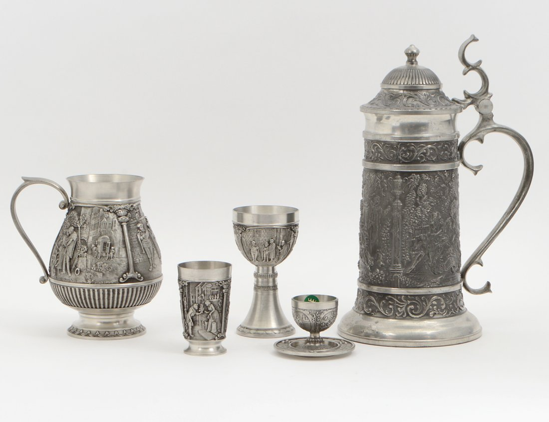 CONTENTIAL PEWTER ALLOY NINETEEN PIECE DRINKS SERVICE