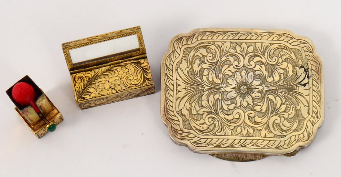 ITALIAN INCISED GILT METAL AND ENAMEL COMPACT AND - 3