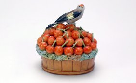 9: Jacob Petit Antique French Porcelain Lidded Box