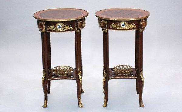 18: Pair Mahogany Circular Top End Tables