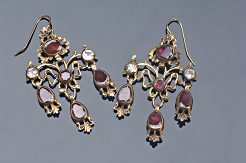 2: 18th C. gold girondole earrings with garnets and cry