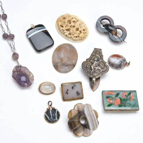 7: Twelve 19th and early 20th C. jewelry items, mostly