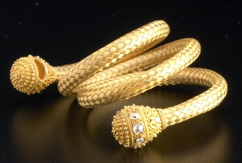 16: Etruscan Revival coiled bracelet, 19th C. 14k bloom