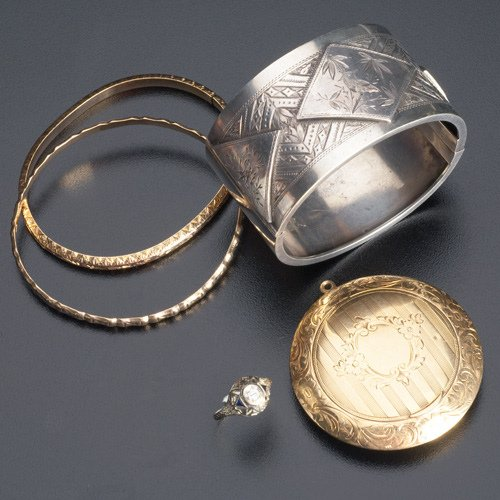 23: Late 19th and early 20th C. gold and silver jewelry