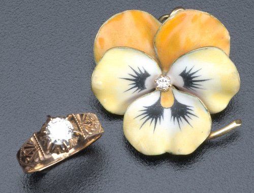 65: Two pieces of Victorian gold and diamond jewelry: