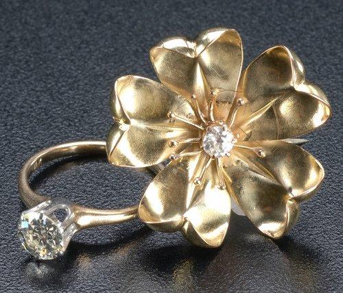 78: Diamond ring and brooch, ca. 1910: