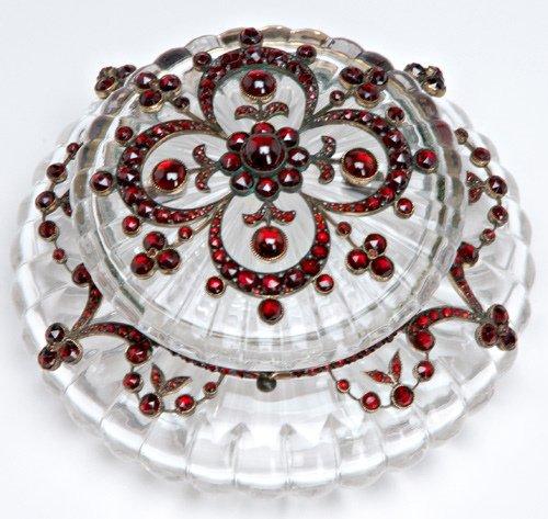95: Renaissance Revival garnet-mounted crystal jar,