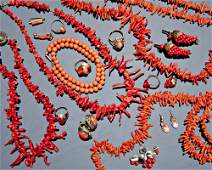 349 Twentytwo coral jewelry pieces 19th  20th C