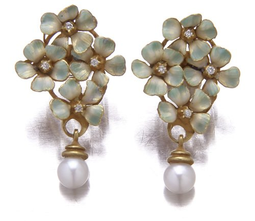 22: Enameled flower cluster earrings with diamonds and