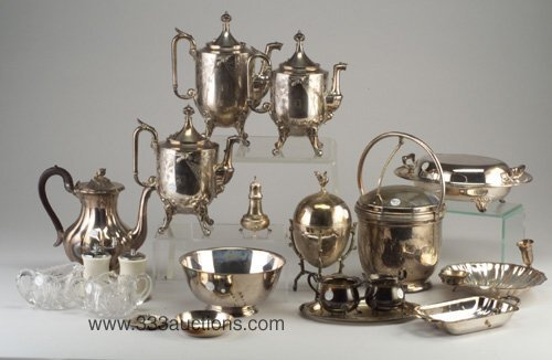17: Twenty pieces of silver plate and other t