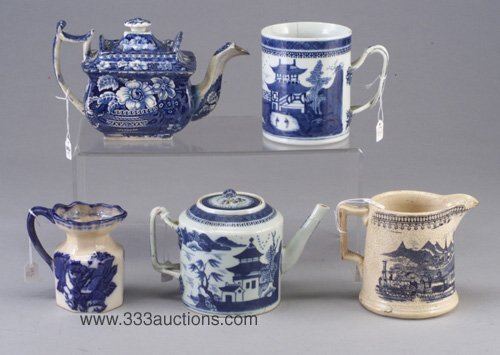 21: Group of five blue and white ceramic item