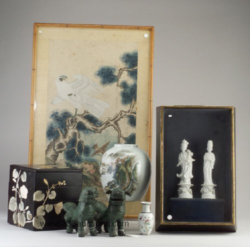 512: Group of Asian items: two Chinese vases,