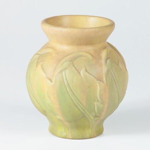 1015: ROSEVILLE Early Velmoss bulbous vase embossed wit