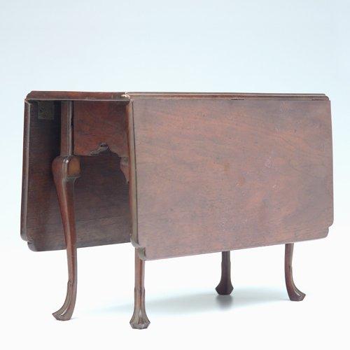 5: Salesman sample drop leaf table in mahogany with sha