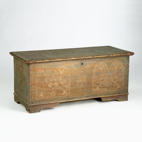 15: Lancaster Valley blanket chest on bracket feet with