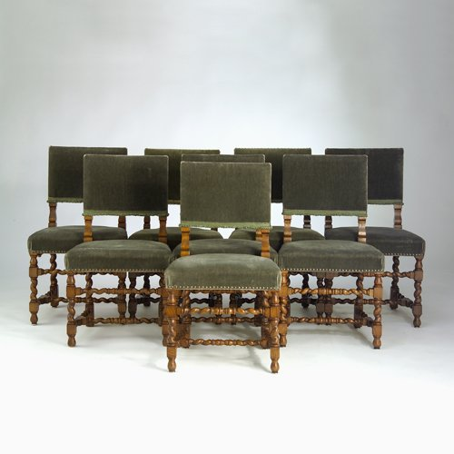 22: English oak chairs, set of eight, with barley twist