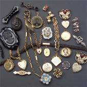 113: Victorian jewelry, 28 pieces, including lavender j