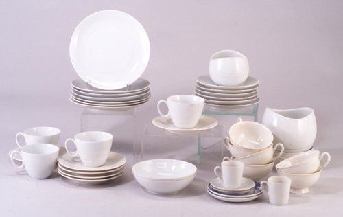Assembled china including several pieces