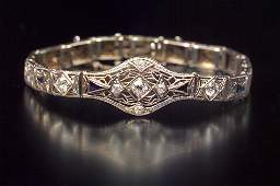 156 ART DECO Diamond and sapphire filigree bracelet P