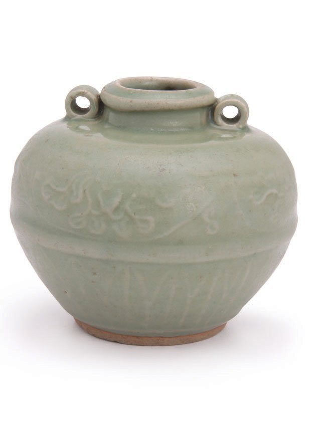 Large Yuan Dynasty Oil Jarlet with Lugs