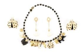 Carlo Zini Necklace W/two Sets Of Earrings