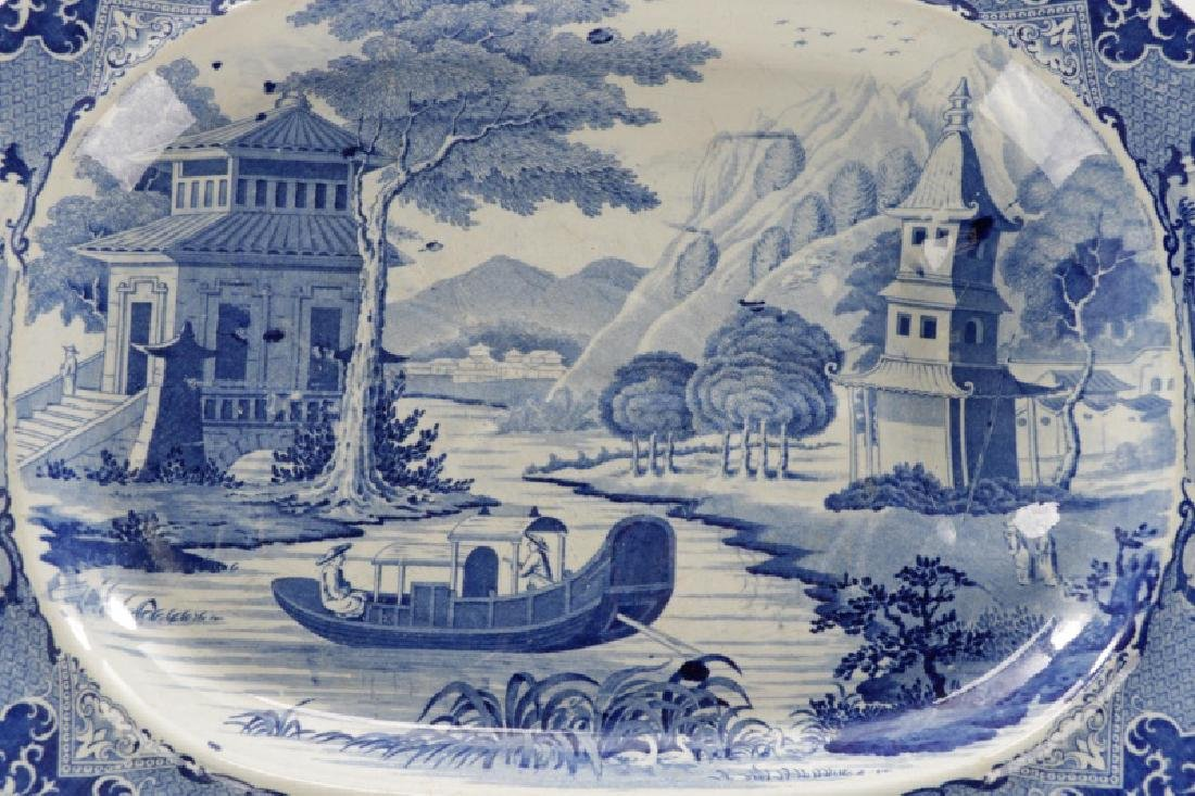 Two Early Blue & White Earthenware Platters - 3