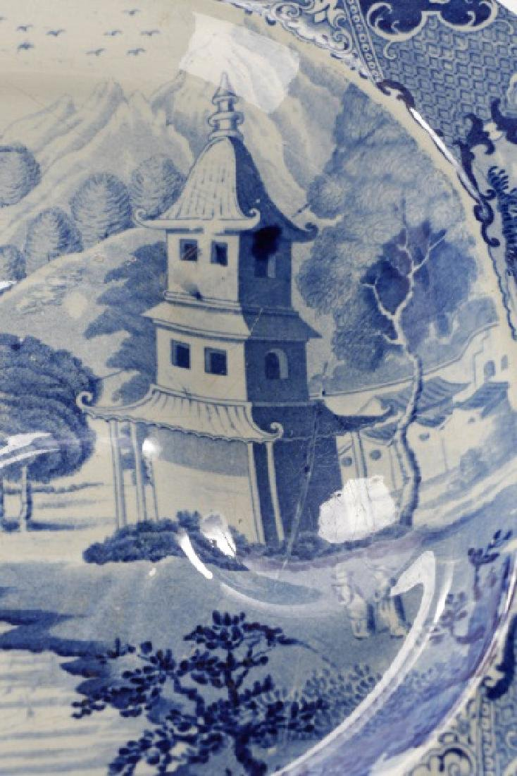 Two Early Blue & White Earthenware Platters - 5